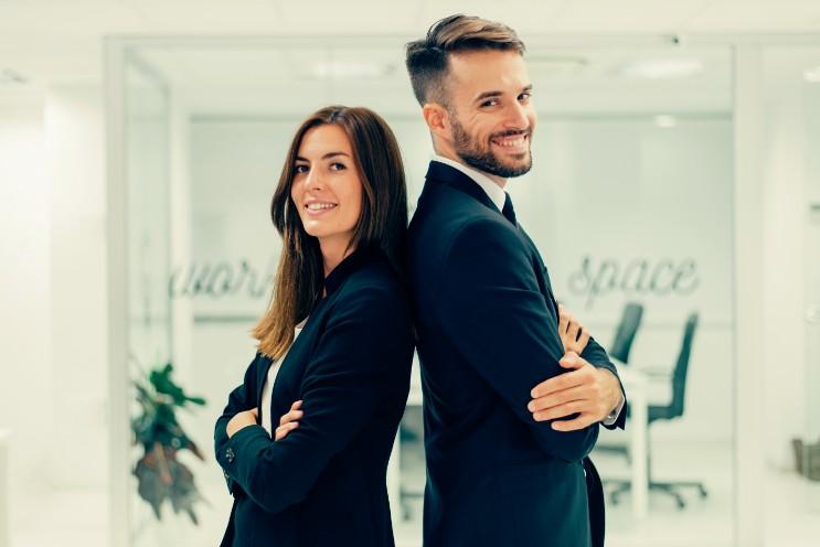 男女のビジネスマン