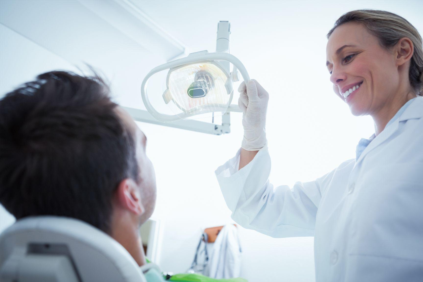 【歯科助手の自己PR例文】採用側に評価される3つの書き方とは?
