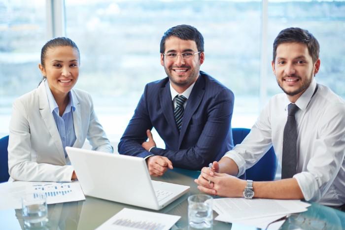 【メーカーへの転職】営業や事務などの転職事情や志望動機をご紹介