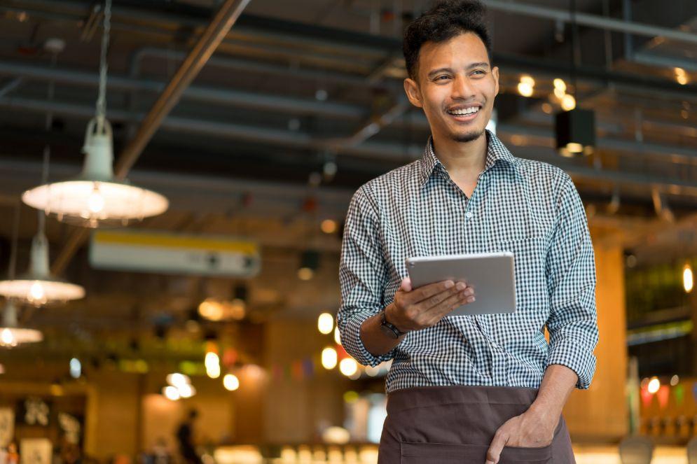 カフェオーナーになるには?なり方と費用・必要な届出などを解説