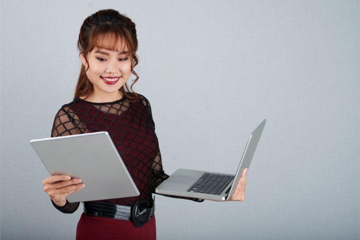 Webデザイナーの平均年収は300〜400万円|給料相場を解説