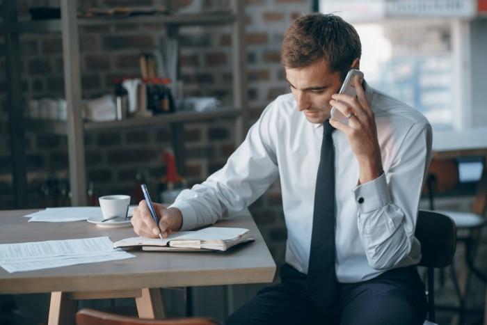 【転職のおすすめな時期はいつ】年代別から税金の関係性まで徹底解説
