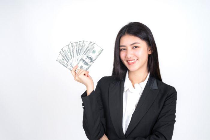 【年収700万円】年代別に狙える職業と切り離せない税金の話