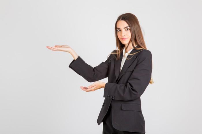 【コンサルティング営業とは】スキルや年収事情についても詳しく解説