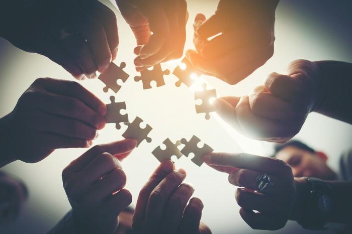 【企業情報の調べ方】年収・業績・業務内容・社風の調査方法を解説