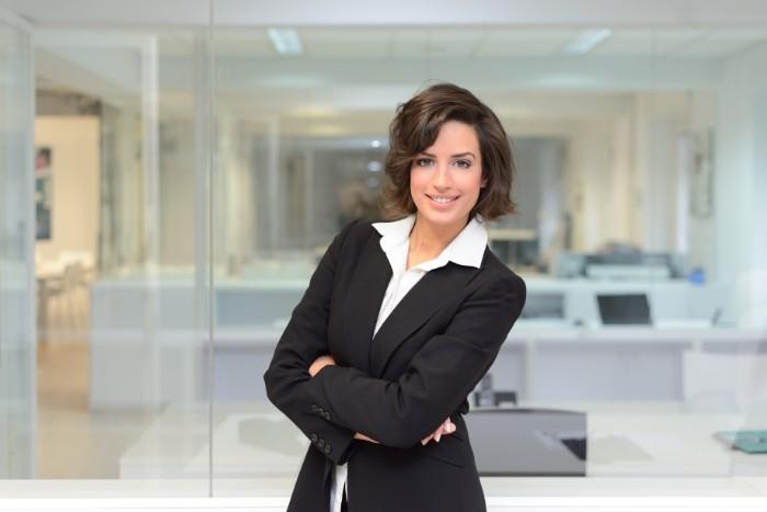 管理職で働く女性の割合は増えているの?少なくなっている?