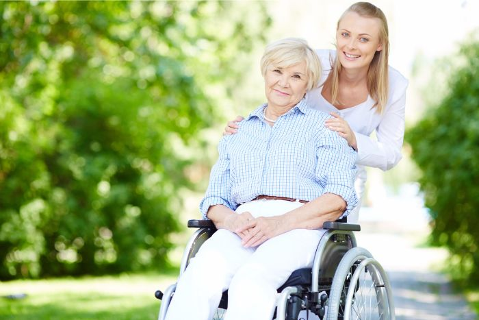 【介護業界の転職事情】人手不足でも意外と厳しい求人状況の画像