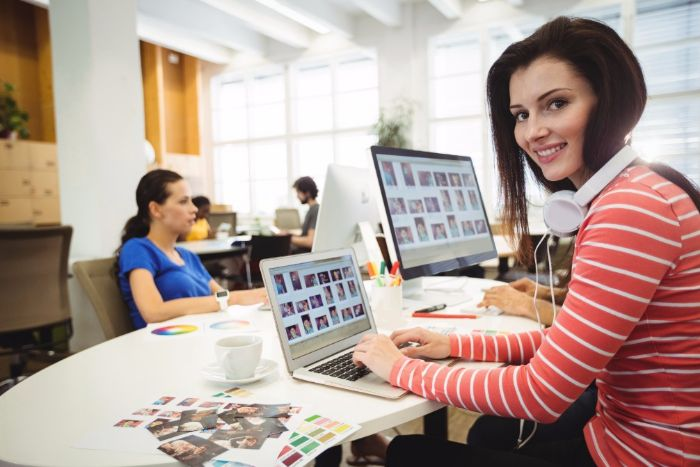【Webデザイナーの仕事】業務の流れや仕事で大変な事や辛い事とはの画像