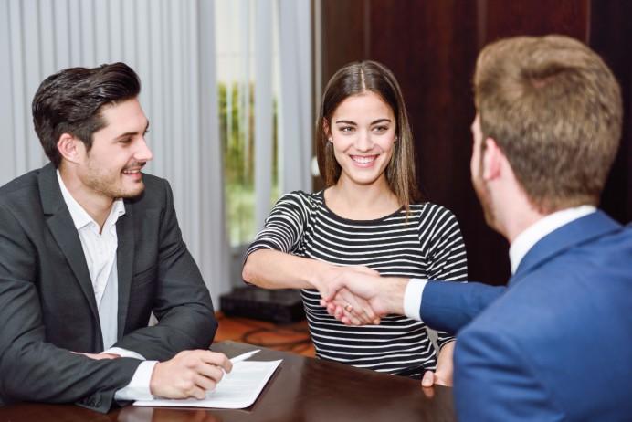 コンサルティング業界に就職するために求められる要素についてご紹介の画像