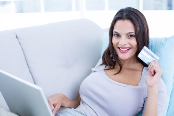 【在宅でも出来るオススメの副業】パソコンを使って楽に稼げるの?