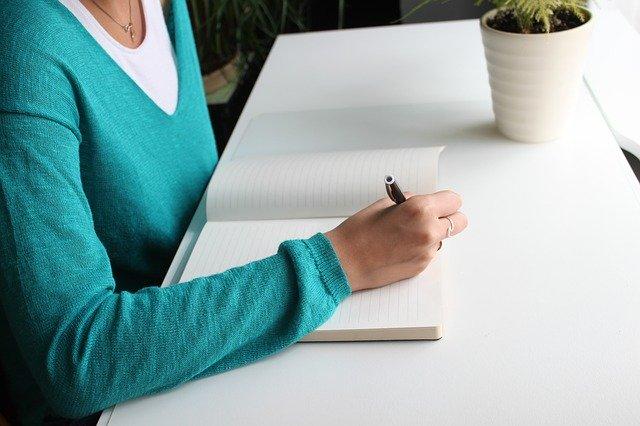 志望動機の書き出しでインパクトを与える|高卒・新卒・転職の例文あり
